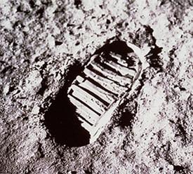 Moon foot print